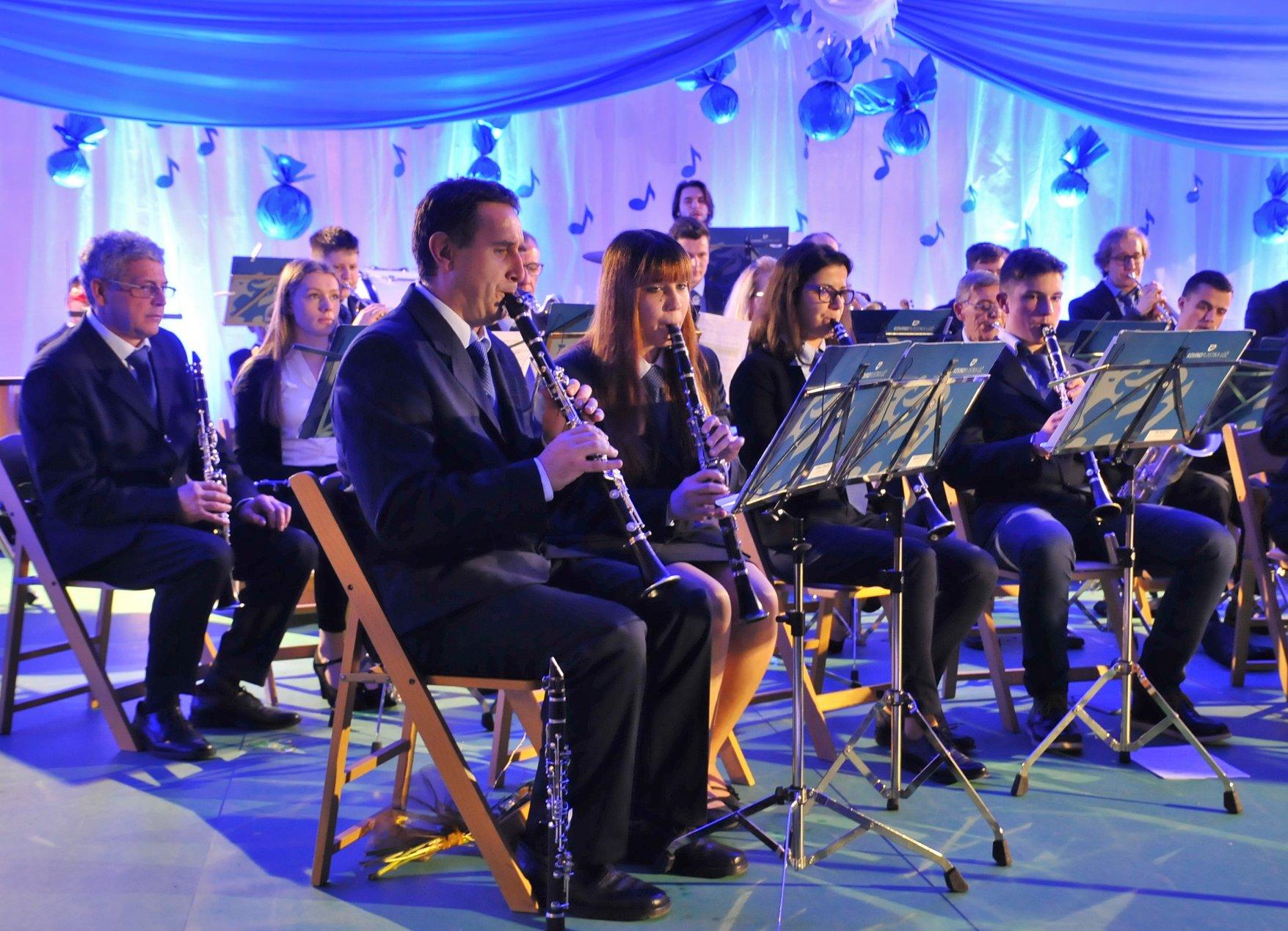 Godba Kovinoplastike Lož novoletni koncert